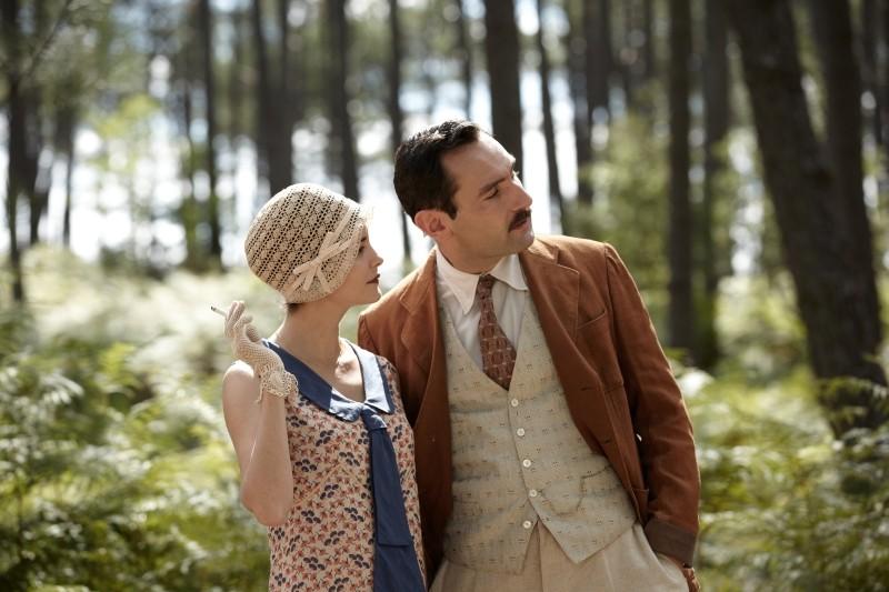Thérèse Desqueyroux: Audrey Tautou insieme a Gilles Lellouche in una scena del film