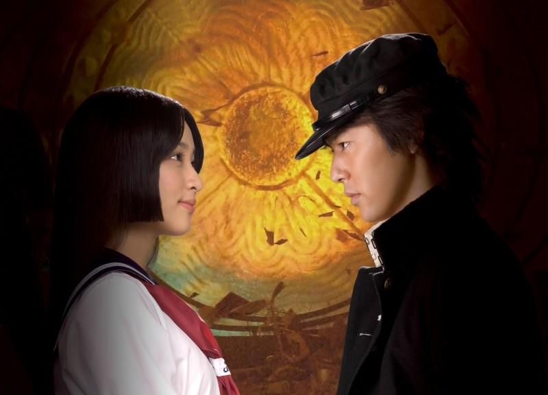 Ai to makoto: Satoshi Tsumabuki ed Emi Takei in una scena del film