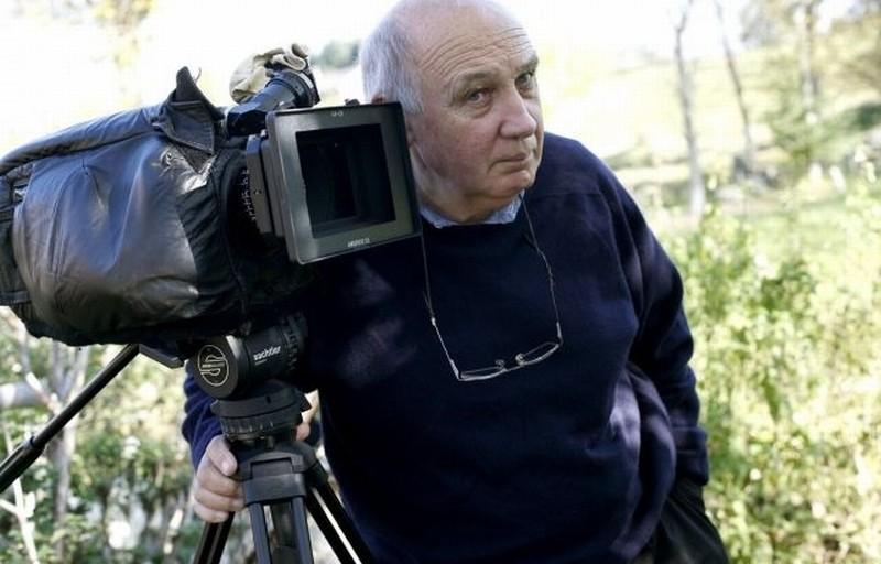 Journal de France: il fotografo Raymond Depardon, co-regista del film, in una foto promozionale