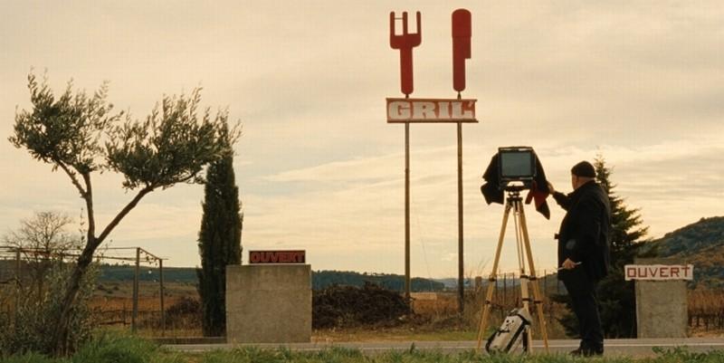 Journal de France: una scena del documentario che racconta la Francia attraverso le esperienze lavorative dei due registi-reporter
