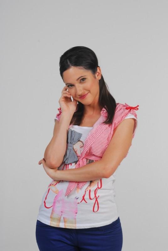 Lodovica Comello in un'immagine promozionale per la serie televisiva Violetta