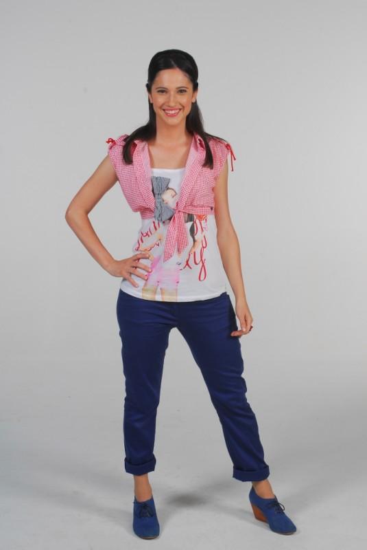 Lodovica Comello in una foto promozionale per la serie televisiva Violetta
