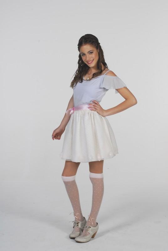 Martina Stoessel in una foto promozionale per la serie tv Violetta