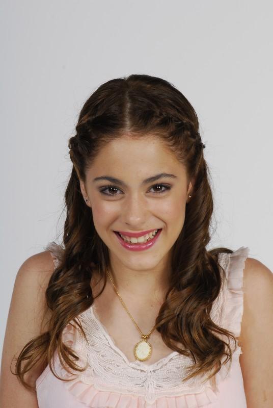 Martina Stoessel in una foto promozionale per Violetta