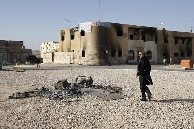 The Oath of Tobruk: il filosofo, giornalista e reporter Bernard-Henri Lévy, in una scena del suo documentario sulla Libia