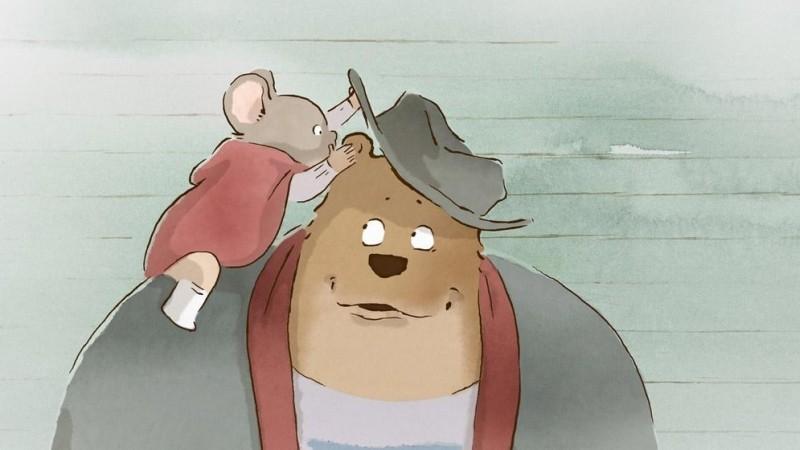 Ernest et Célestine: una tenera scena del film d'animazione che narra l'amicizia tra un orso e una topolina