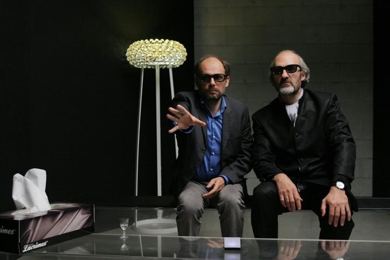 Granny's Funeral: Denis Podalydès insieme a Michel Vuillermoz in un momento del film