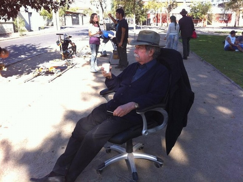 La noche de enfrente: il regista Raoul Ruiz sul set