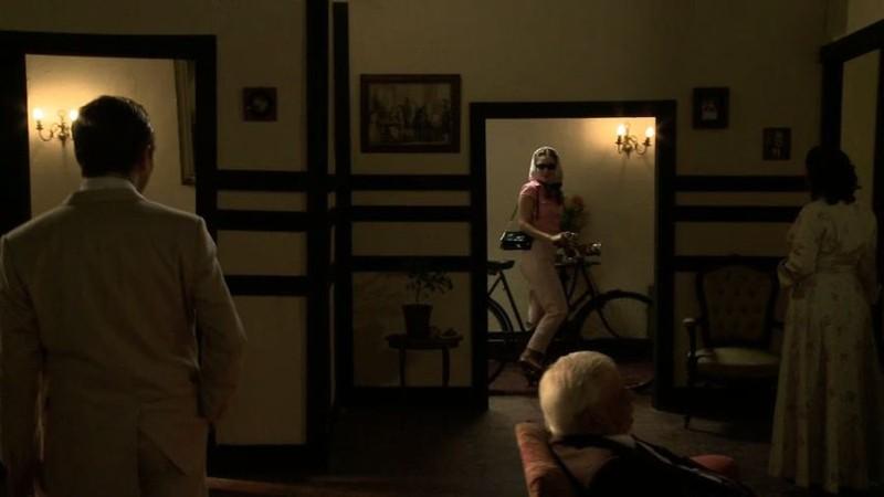 La noche de enfrente: un momento del film di Raoul Ruiz