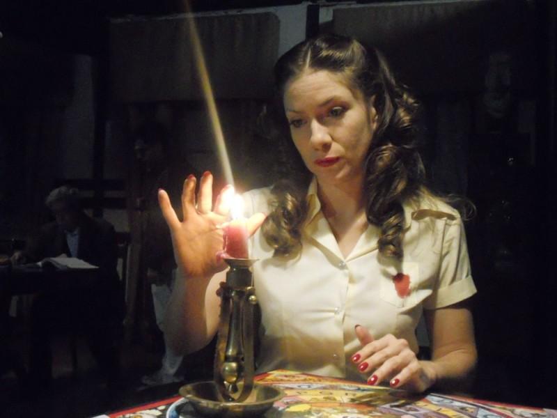 La noche de enfrente: Valentina Vargas in una scena del film di Raoul Ruiz