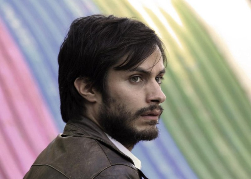 No: Gael García Bernal in una scena tratta dal film