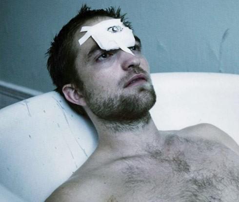 Robert Pattinson in una immagine ispirata al cinema di Cronenberg (2012)