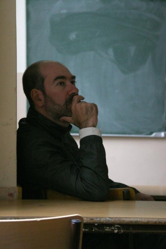 Sueño y silencio: il regista del film in una foto promozionale