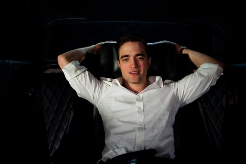 Cosmpolis: un'immagine rilassata di Robert Pattinson tratta dal film