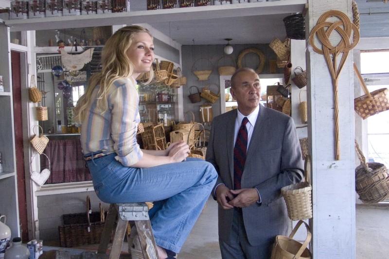 Love&Secrets: Frank Langella in una scena del film insieme a Kirsten Dunst