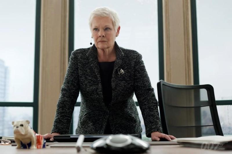007 - Skyfall: Judi Dench in una scena del film