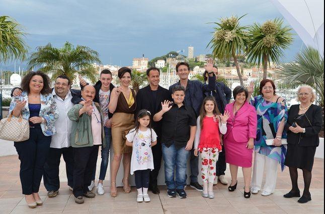 Matteo Garrone e il cast di realty a Cannes