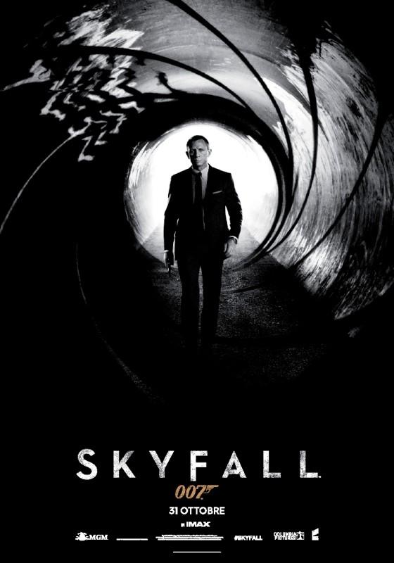007 - Skyfall: la locandina italiana del film
