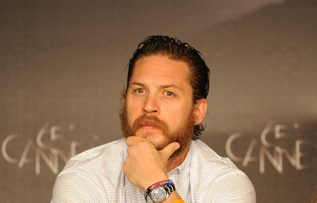 Tom Hardy durante la conferenza stampa di Lawless a Cannes