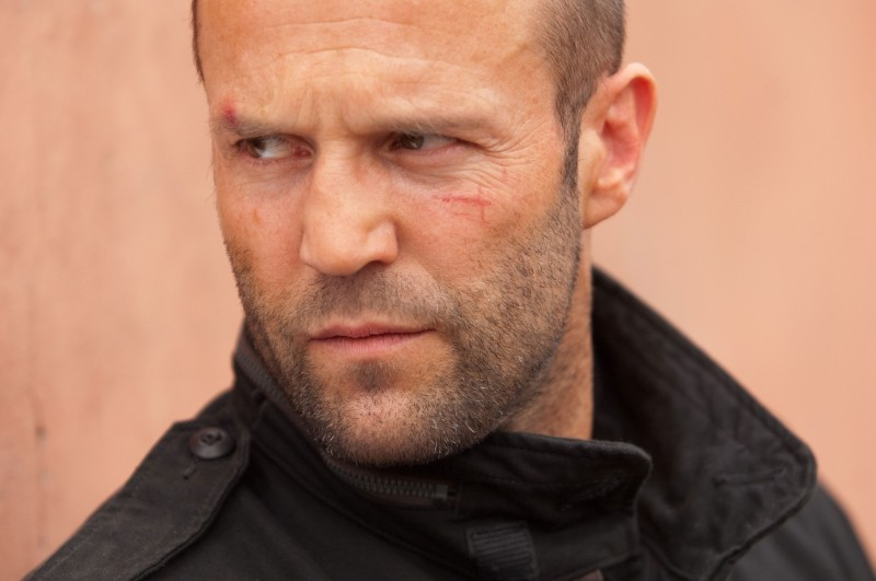 Killer Elite: Jason Statham in una scena dell'action movie