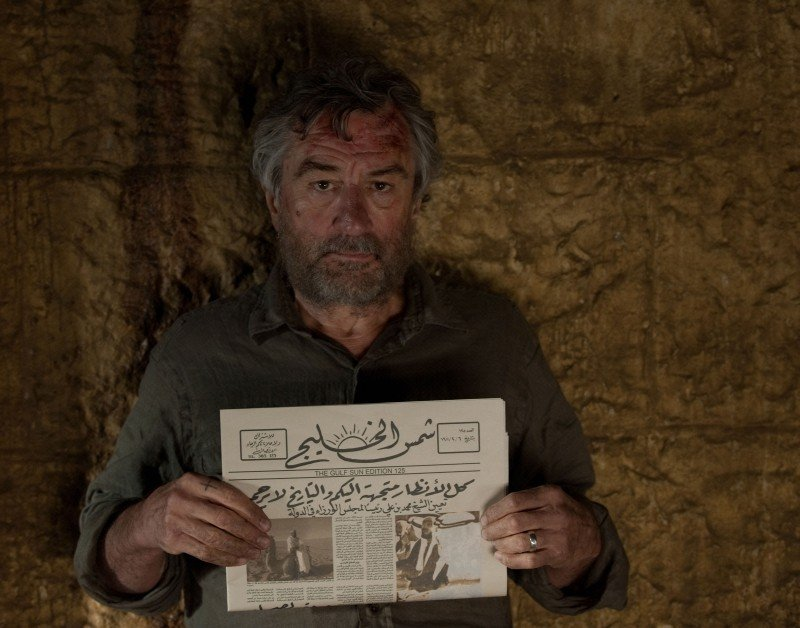 Killer Elite: Robert De Niro ostaggio dei rapitori in una scena del film