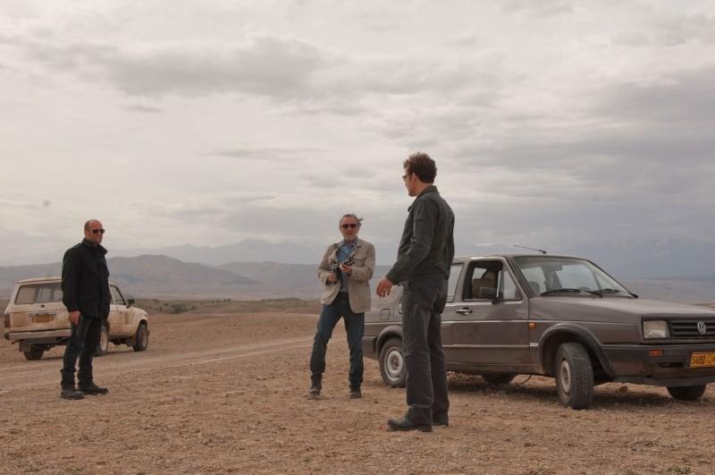 Robert De NIro con Clive Owen e Jason Statham in una sequenza di Killer Elite