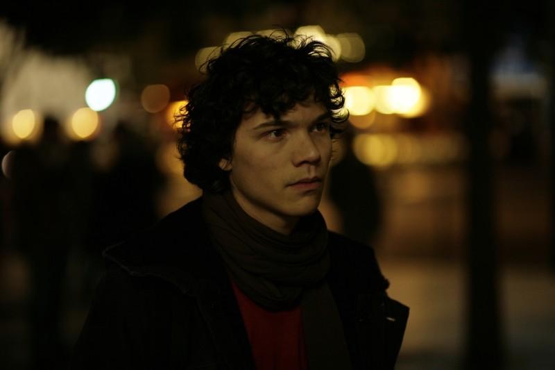 Un amore di gioventù: il giovane Sebastian Urzendowsky in una scena