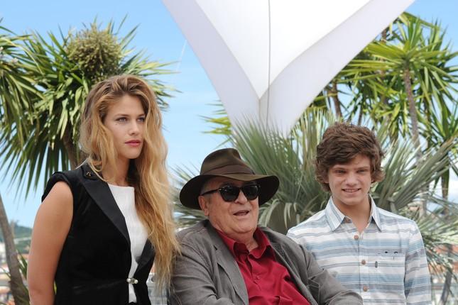 Bernardo Bertolucci a Cannes con i giovani interpreti di Io e te Tea Falco e Jacopo Olmo Antinori