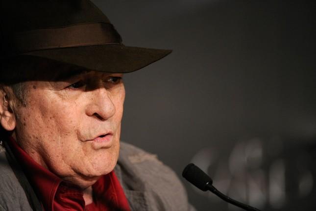 Bernardo Bertolucci a Cannes durante la conferenza stampa di Io e te