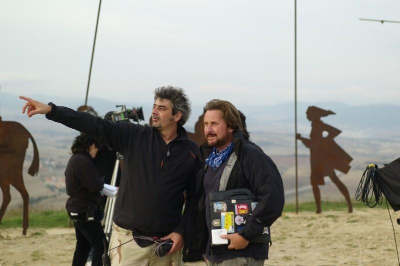 Il cammino per Santiago: il regista e interprete Emilio Estevez sul set del film