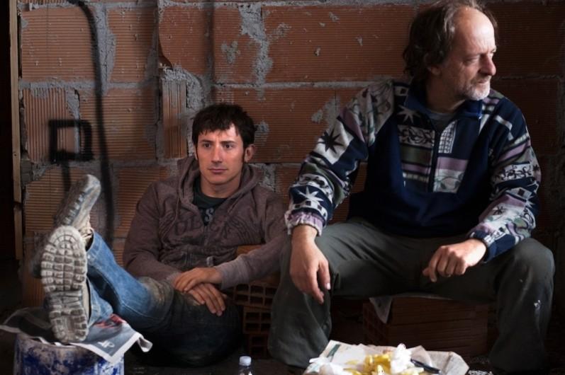 Qualche nuvola: Michele Alhaique e Paolo De Vita in una scena del film