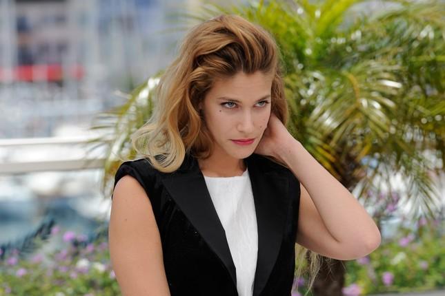 Un primo piano di Tea Falco a Cannes durante il photocall di Io e te