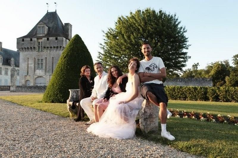 Adorabili amiche: il regista Benoît Pétré con Jane Birkin, Caroline Cellier, Thierry Lhermitt e Catherine Jacob in una foto promozionale