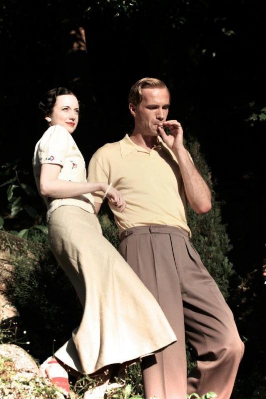 Edward e Wallis: i protagonisti del film James D'Arcy e Andrea Riseborough in una scena