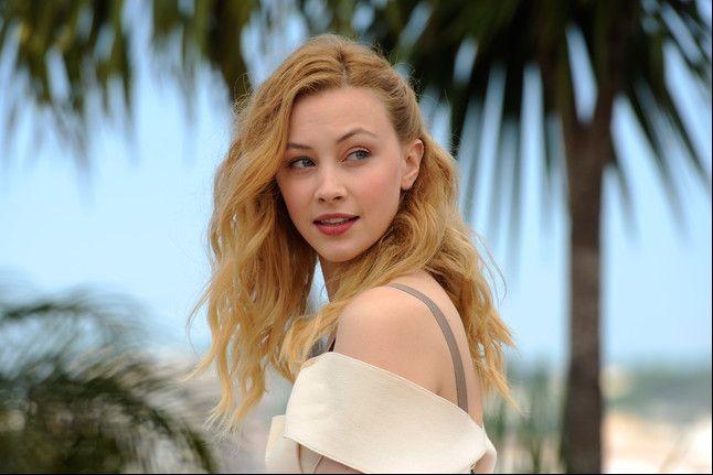 Un primo piano di Sarah Gadon, interprete di Cosmopolis, a Cannes