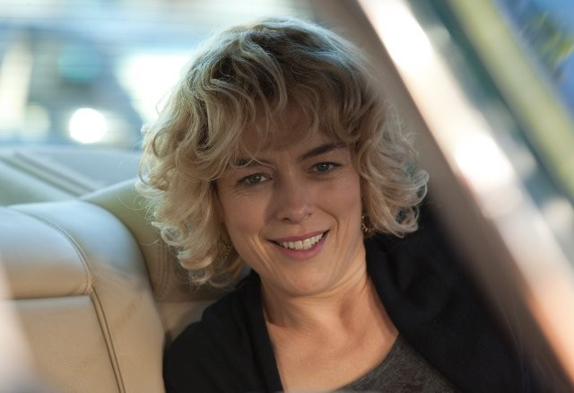 Una sorridente Olivia Williams in Now Is Good