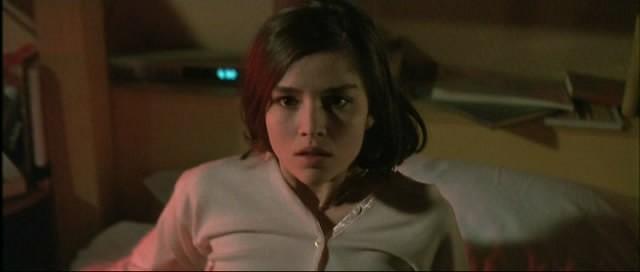 Cristina Marsillach è Betty, la protagonista del film Opera (1987)