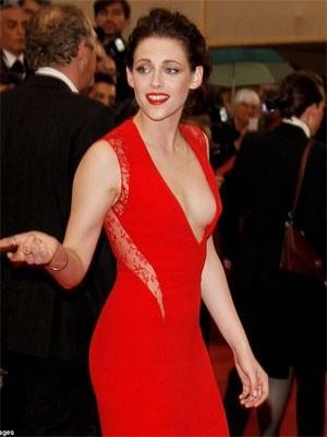Cannes 2012: una sensualissima Kristen Stewart