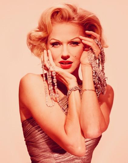 Blonde: i diamanti sono i migliori amici di Naomi Watts