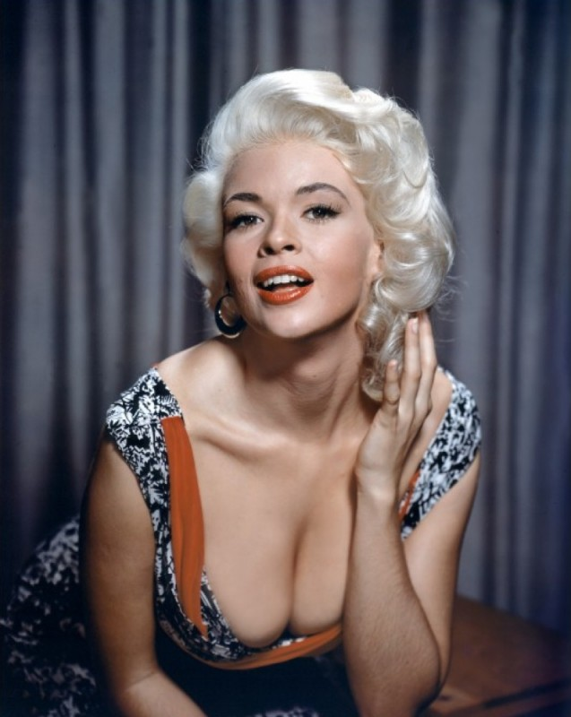 l'attrice e pin-up Jayne Mansfield