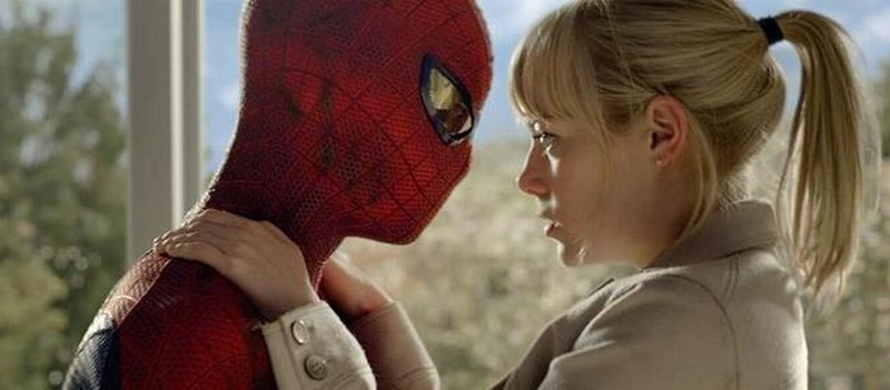 The Amazing Spider-Man: Spider-Man insieme ad Emma Stone in una scena del film