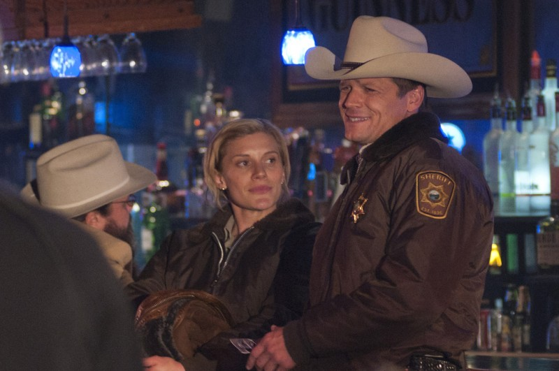 Longmire: Katee Sackhoff e Bailey Chase nell'episodio The Dark Road