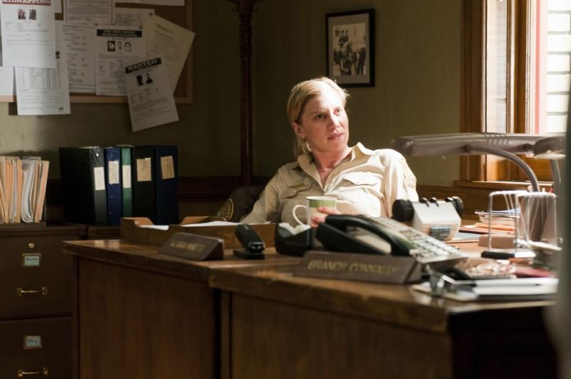 Longmire: Katee Sackhoff nell'episodio The Dark Road