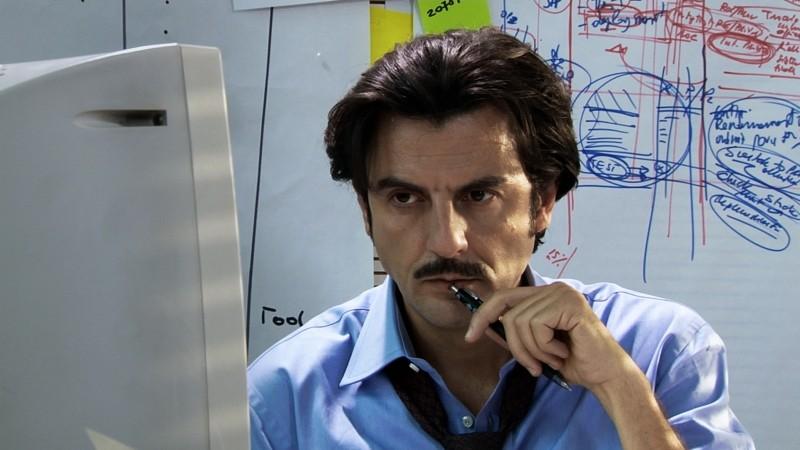 Venti Anni: Enrico Ianniello in una scena del film