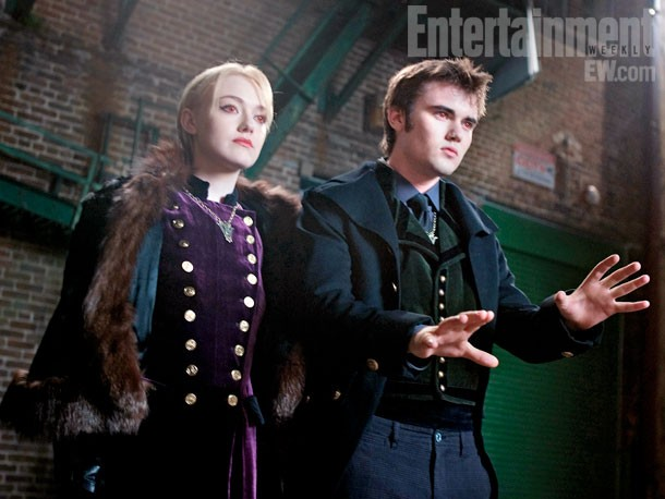Dakota Fanning e Cameron Bright in una scena di Twilight Saga: Breaking Dawn - Parte 2