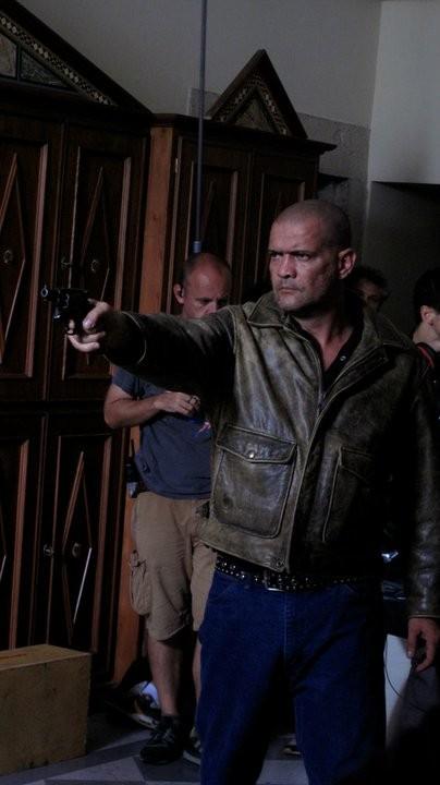 Emanuel Bevilacqua ne il clan dei camorristi: una immagine dal set