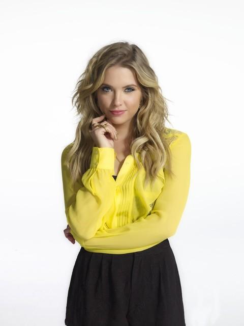 Pretty Little Liars: Ashley Benson in una foto promozionale della stagione 3