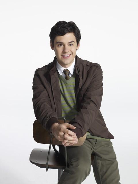 Pretty Little Liars: Brendan Robinson in una foto promozionale della stagione 3