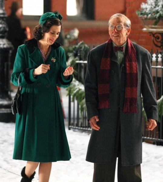 Ben Stiller e Kristen Wiig camminano e discorrono sul set di The Secret Life of Walter Mitty