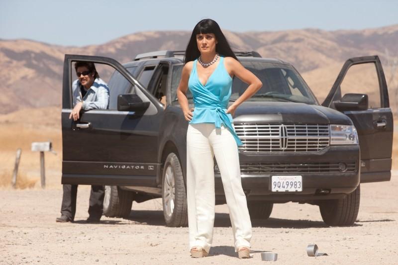 Le belve: Salma Hayek in un'immagine del film insieme a Benicio Del Toro
